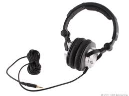 Ultrasone HFI-680 Headphones Pounds Your Heart With Its Bass