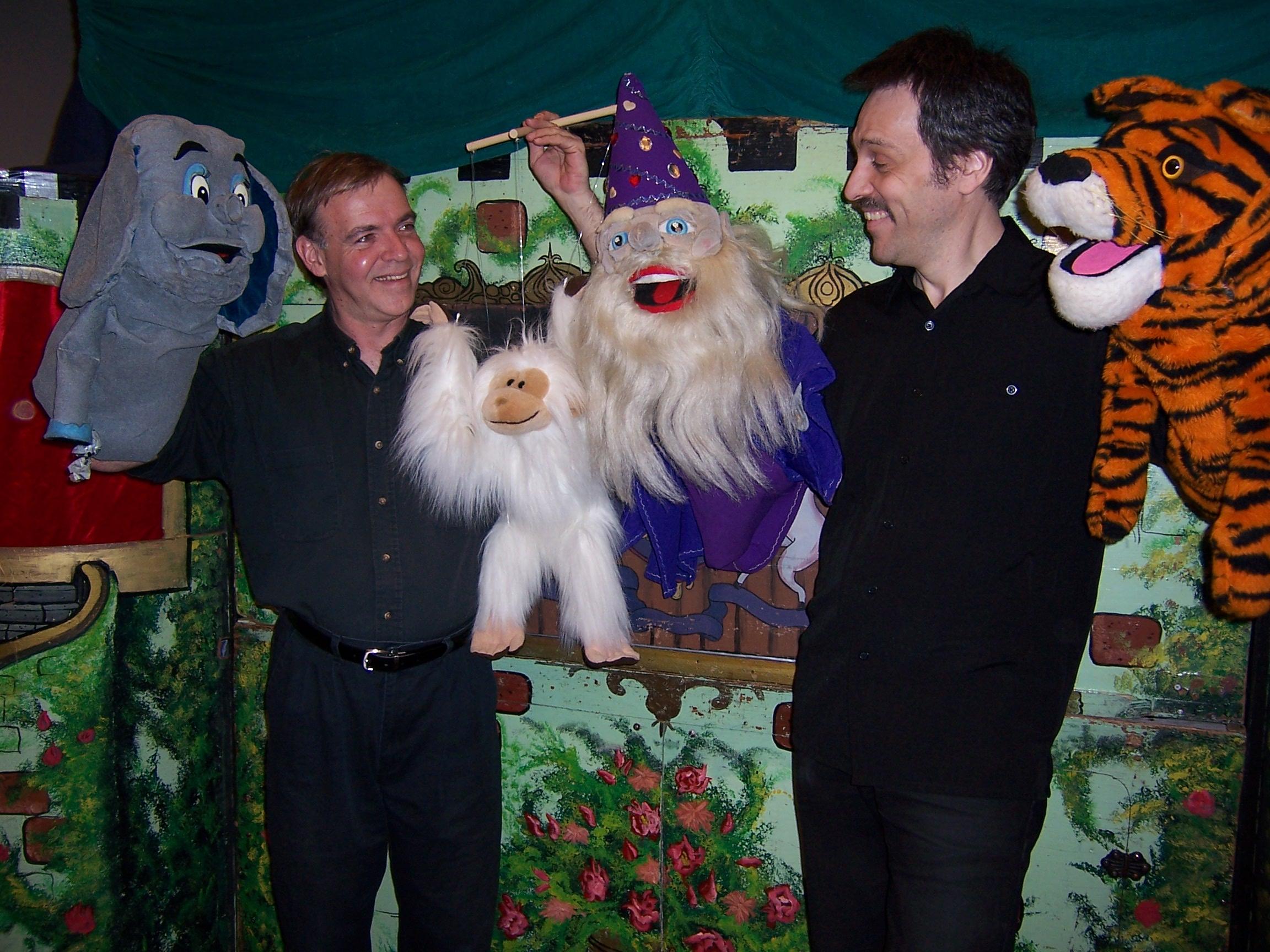 Vermont Puppet theatre educates children about autism awareness