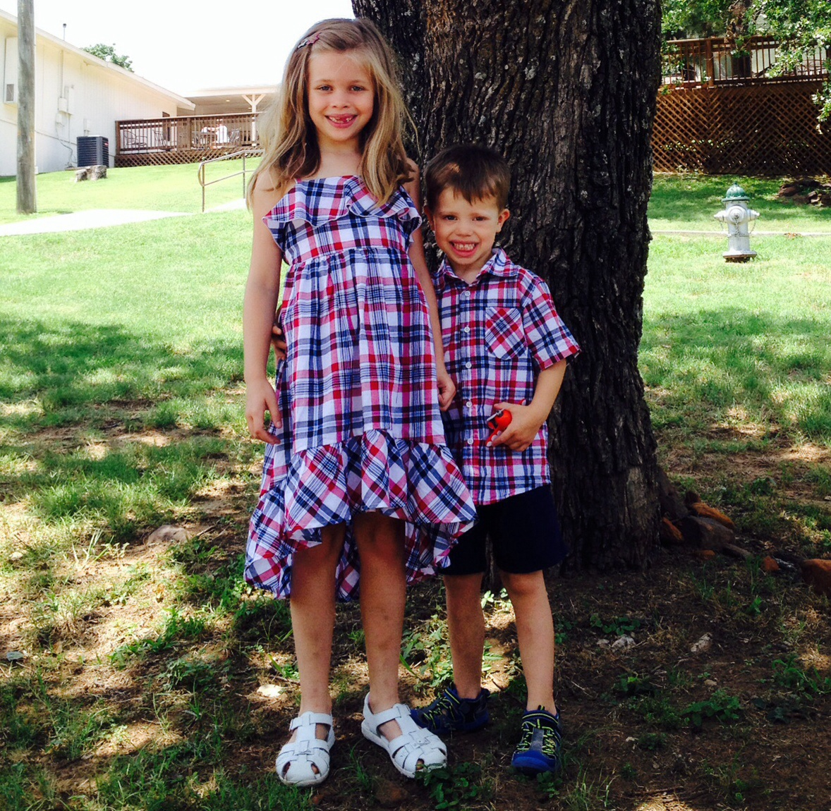 Family Garage Sale and Lemonade Stand Supports Walk for Autism