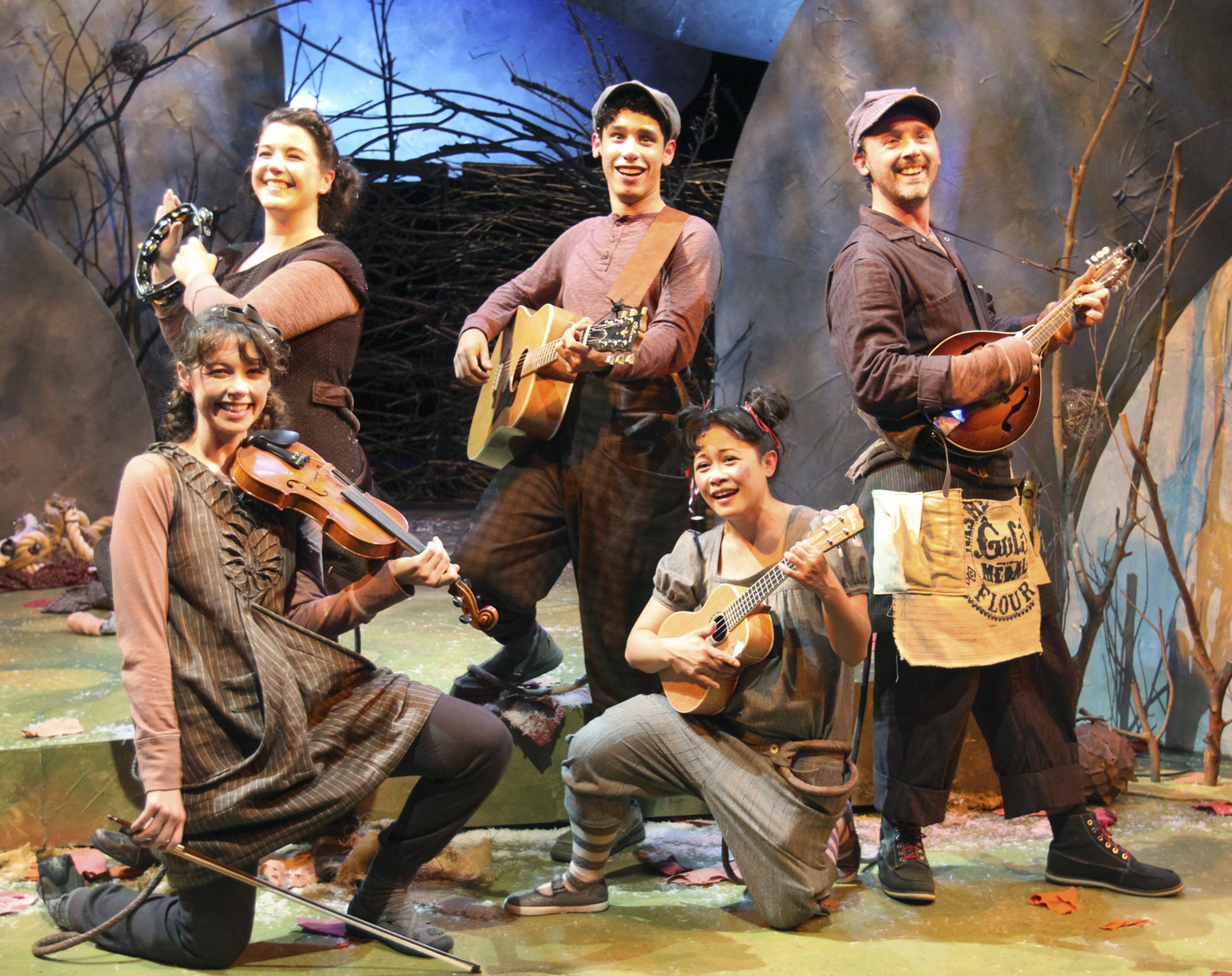 Autism-friendly performance of Leo Lionni's 'Frederick' demonstrate Chicago Children's Theatre's commitment to access