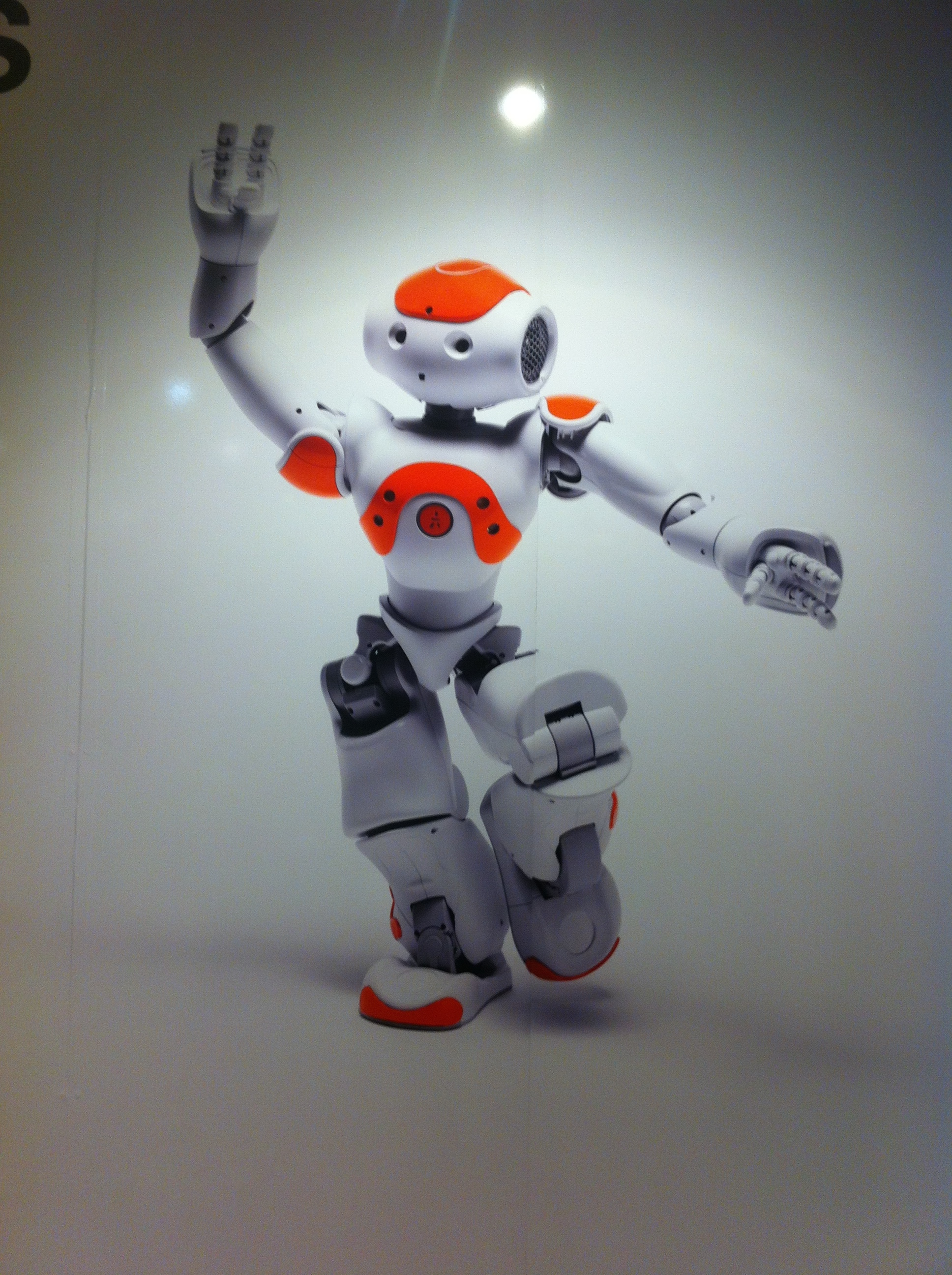 University researchers use humanoid robot to connect with children on the autism spectrum with video