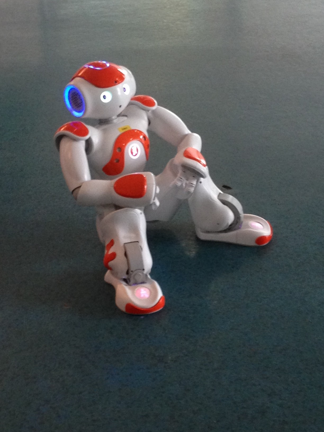 """Peter the Robot – """"WOULD YOU LIKE TO PLAY AGAIN?"""""""