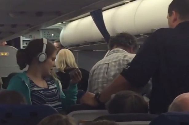 Opinion: Teenage girl with autism kicked off United Airlines plane – w/video