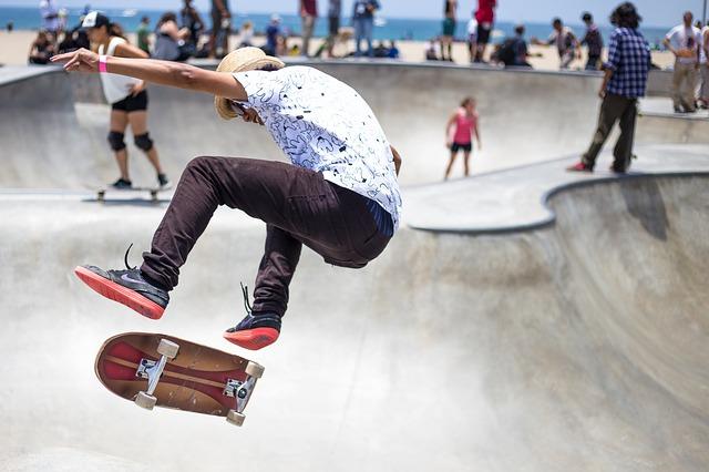 Skate or Live a Little event raises money for autism foundation – w/video